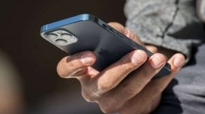 4 أشياء يجب عليك فعلها في هاتفك الحالي قبل الترقية إلى هاتف آيفون 12