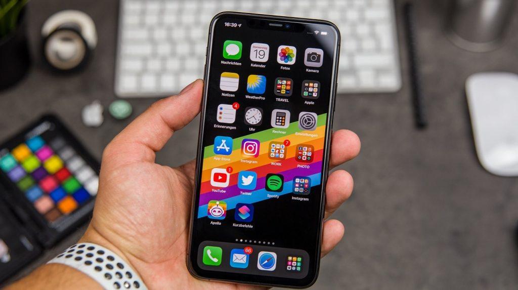 5 طرق تساعدك في تنظيم التطبيقات في هاتف آيفون